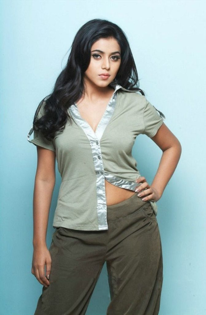 Shamna Kasim In Jeans Top Images