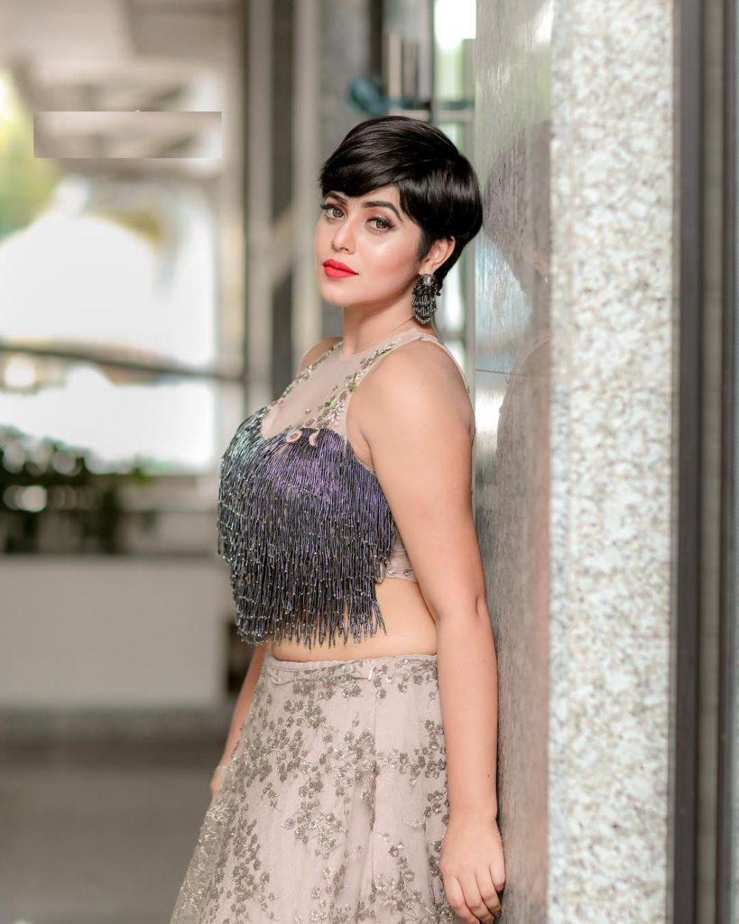 Shamna Kasim In Offsholder Clothes Pics