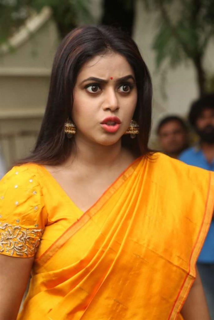 Shamna Kasim In Yellow Saree Photos