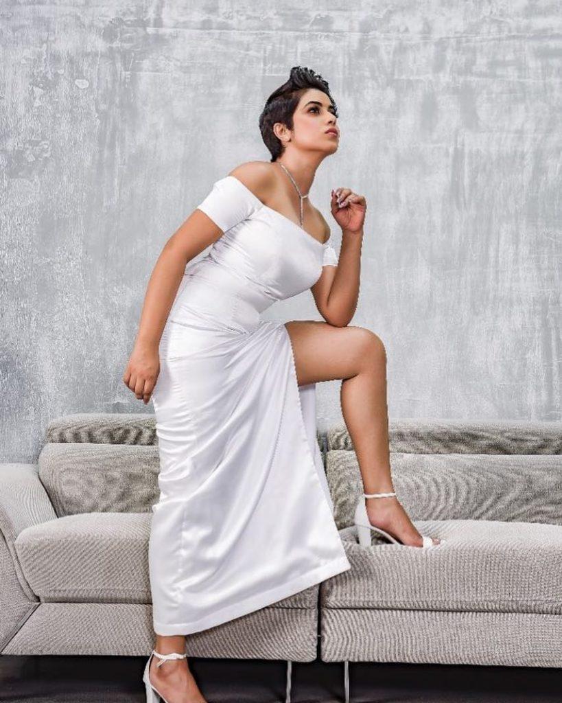 Shamna Kasim Sexy Thigh Photos