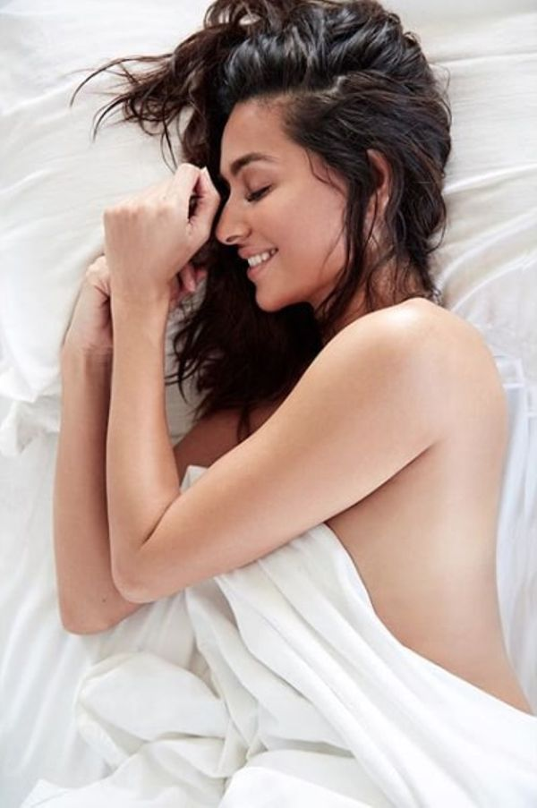 Shibani Dandekar Pics Topless Pics