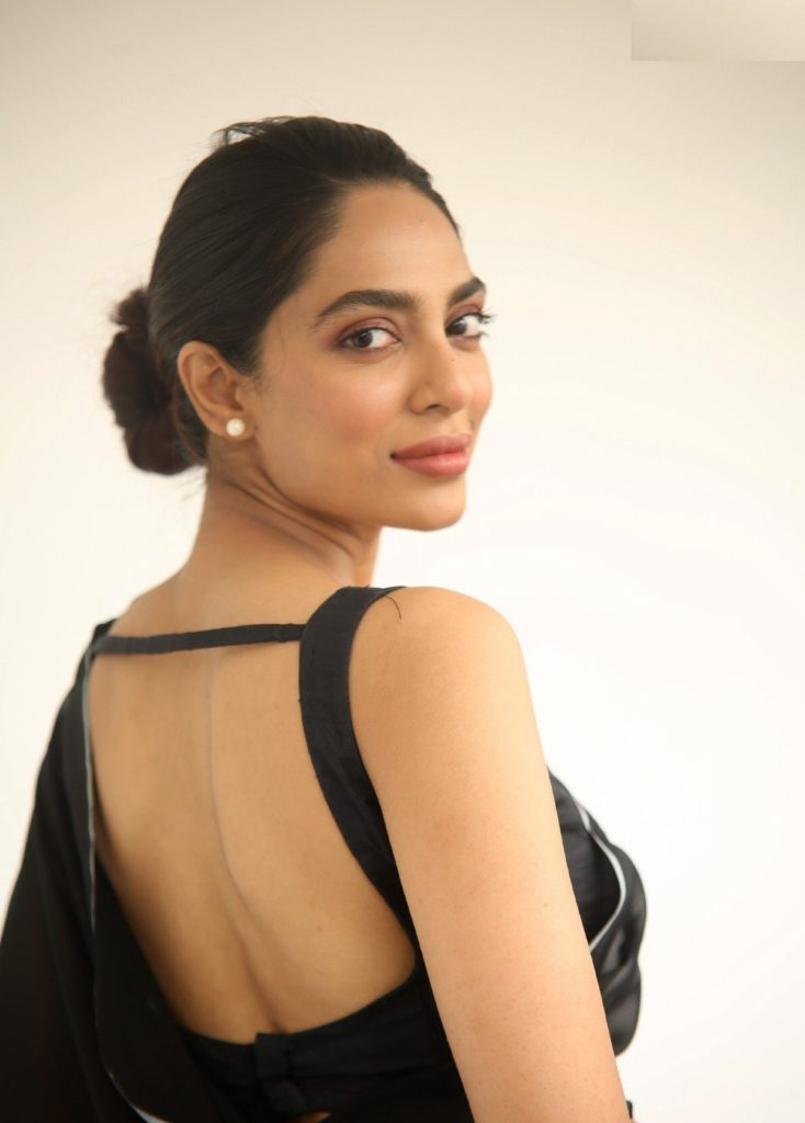 Sobhita Dhulipala In Backless Pics Gallery