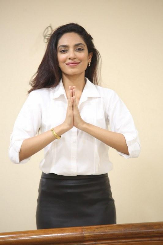 Sobhita Dhulipala New Pics