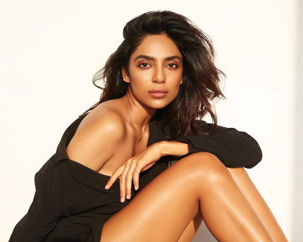 Sobhita Dhulipala Sexy Legs Photos Gallery