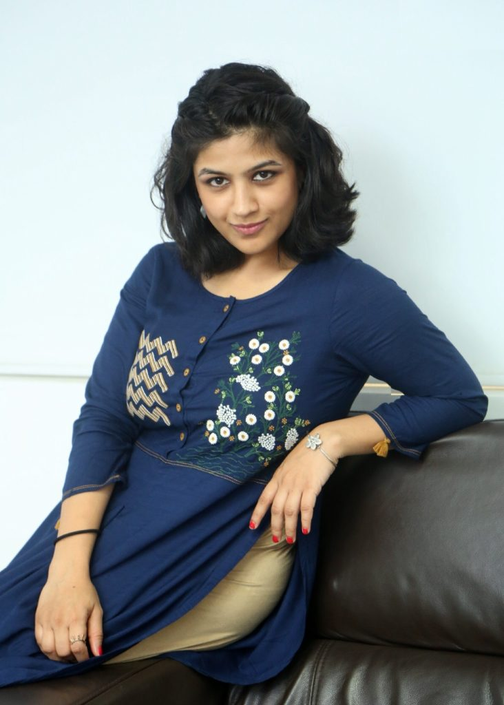 Supriya Aysola HD Images Gallery