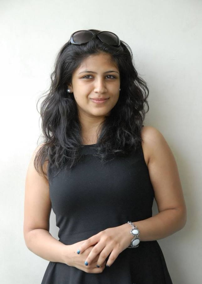 Supriya Aysola HD Sexy Pics In Black Clothes