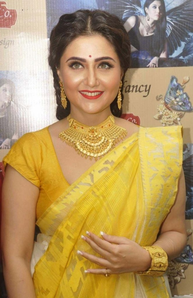 Swastika Mukherjee In Saree Photos