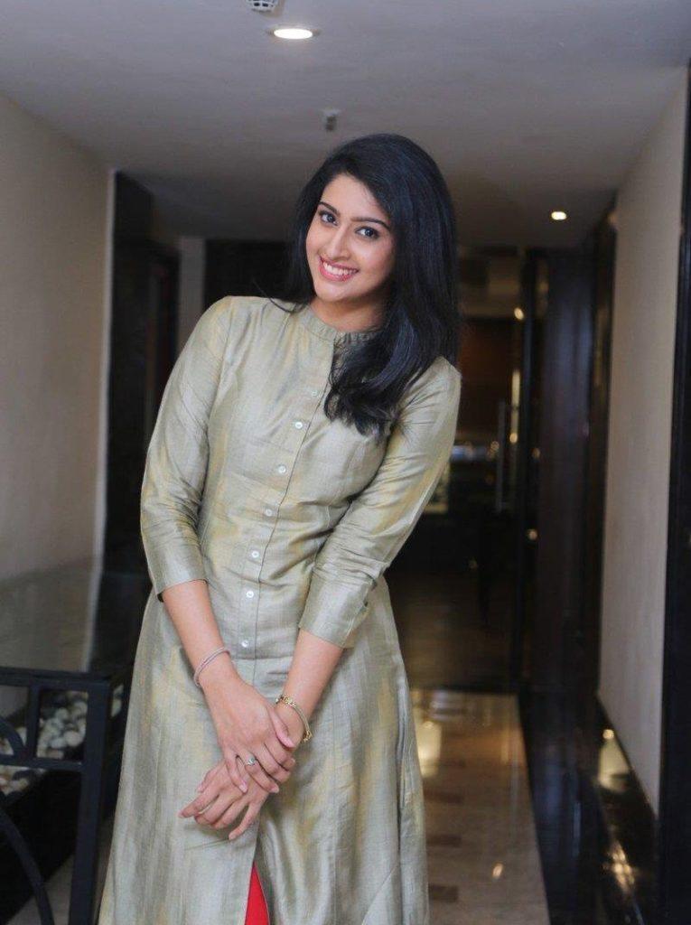 Tanya Ravichandran In Salwar Kameez Pictures