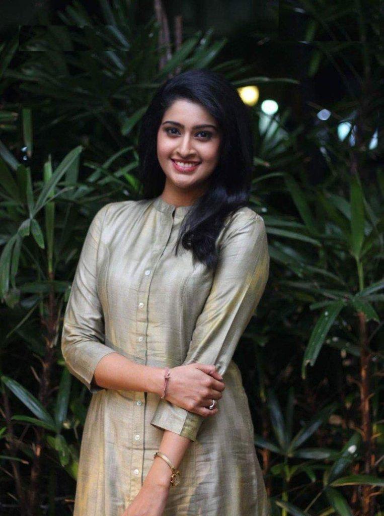 Tanya Ravichandran Lovely Pics