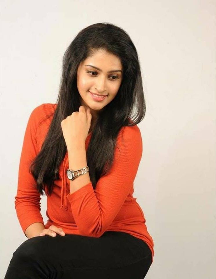 Tanya Ravichandran Sexy Pics