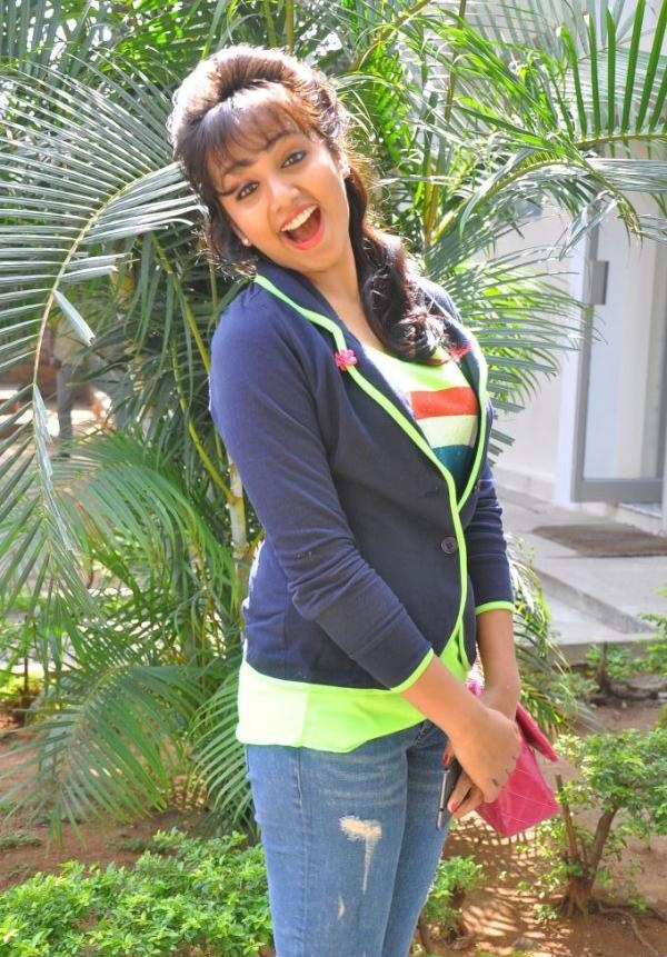Tejaswi Madivada In Jeans Top Photos In Garden