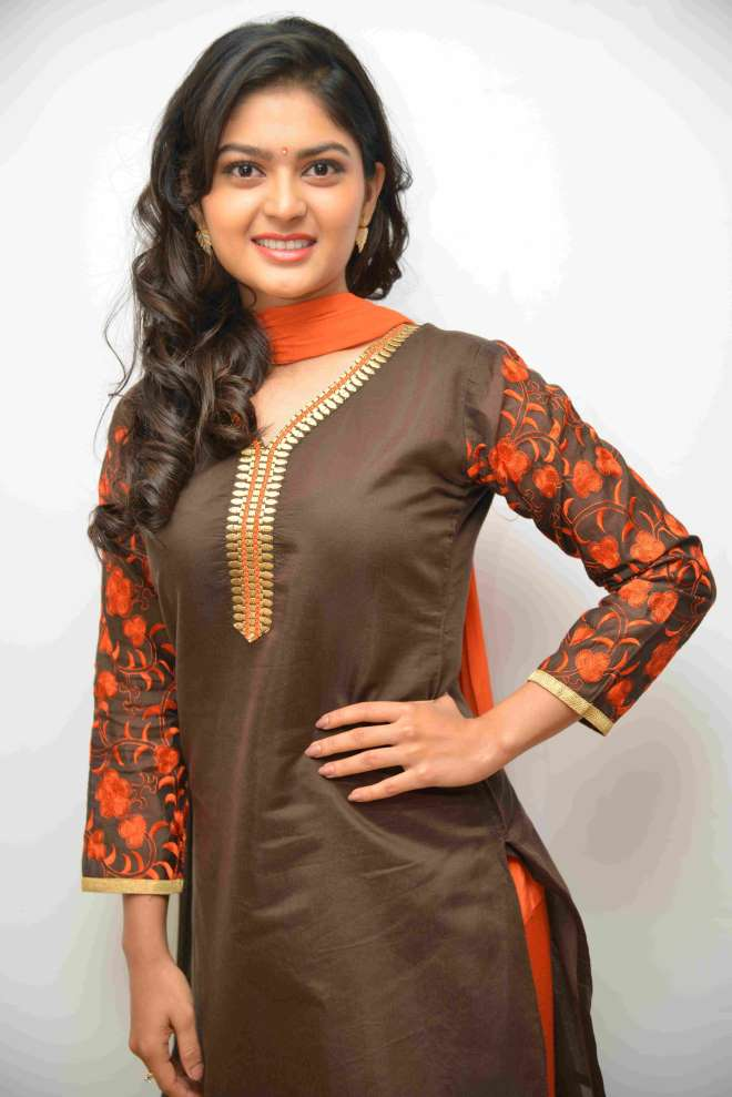 Vaibhavi Shandilya New Hair Style Photos