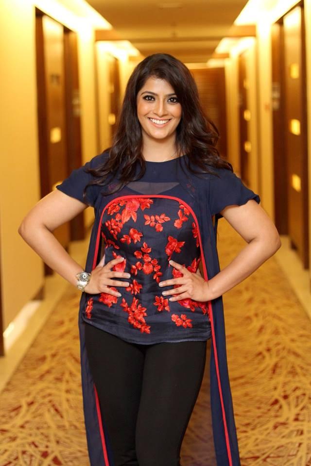Varalakshmi Hot