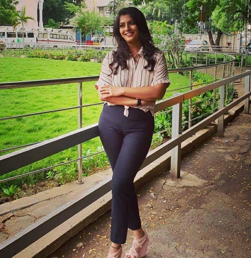 Varalakshmi In Jeans Top Images