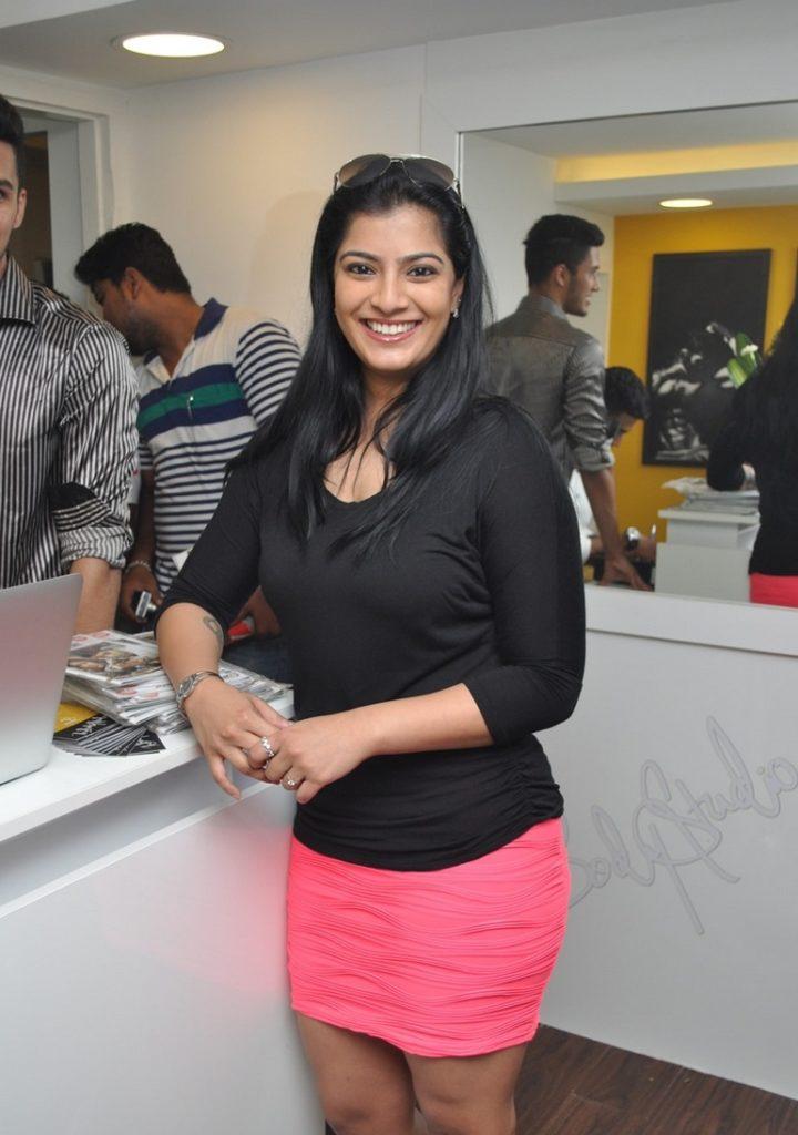 Varalakshmi In Shorts Wallpapers
