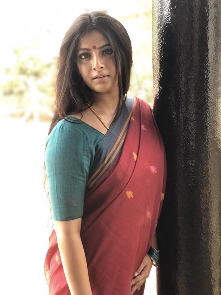 Varalakshmi New Pictures