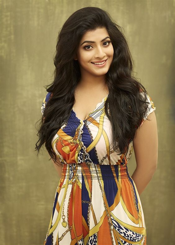 Varalakshmi Sexy