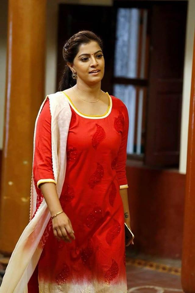 Varalakshmi Very Hot Images