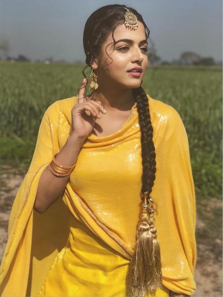Wamiqa Gabbi Hot Pics In Yellow Clothes