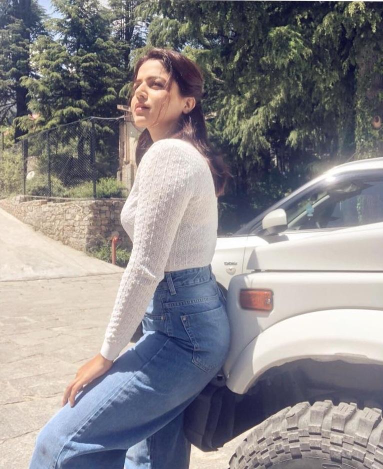 Wamiqa Gabbi In Jeans Top Bold Photos