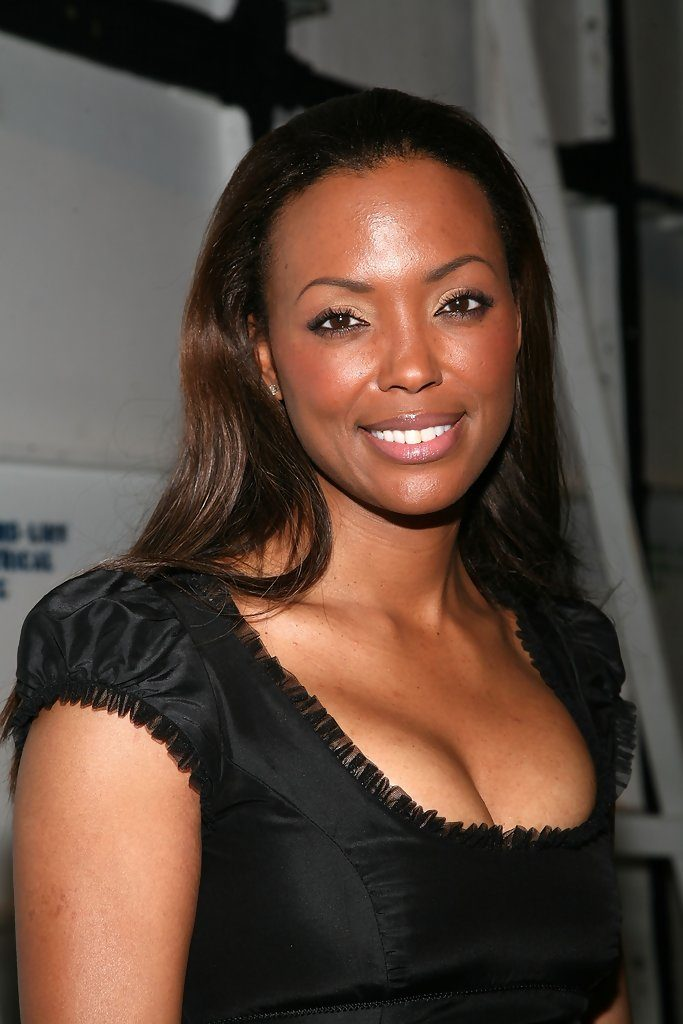 Aisha Tyler Braless Photos