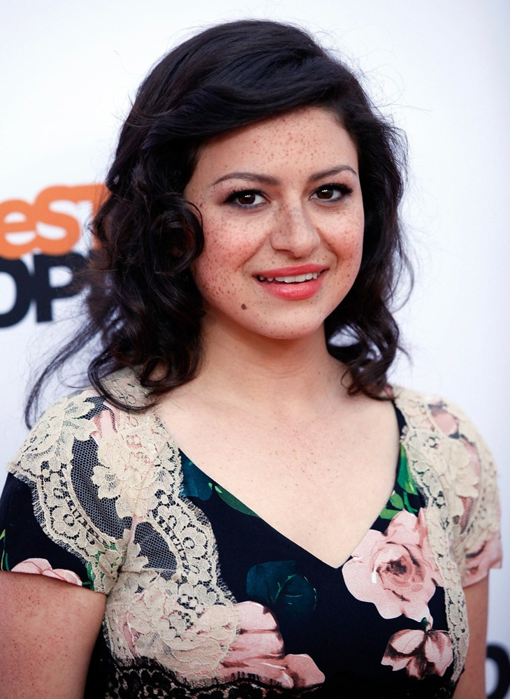 Alia Shawkat Hot Images