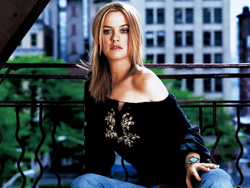 Alicia Silverstone Short Hair Wallpapers