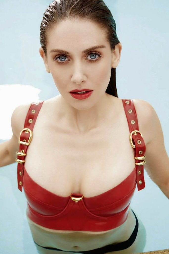Alison Brie Topless PIcs