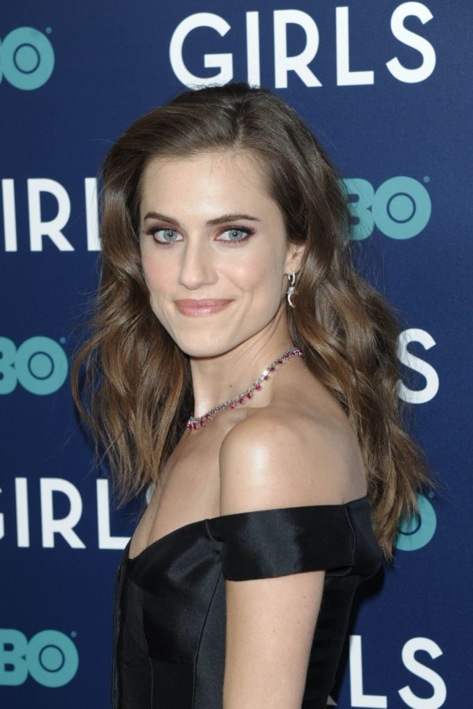 Allison Williams Gown Images