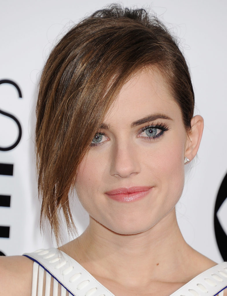 Allison Williams Short Hair Pictures
