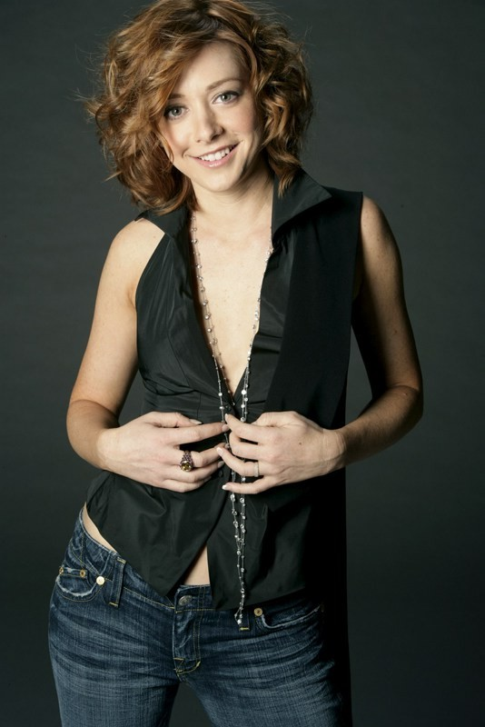 Alyson Hannigan Topless Images