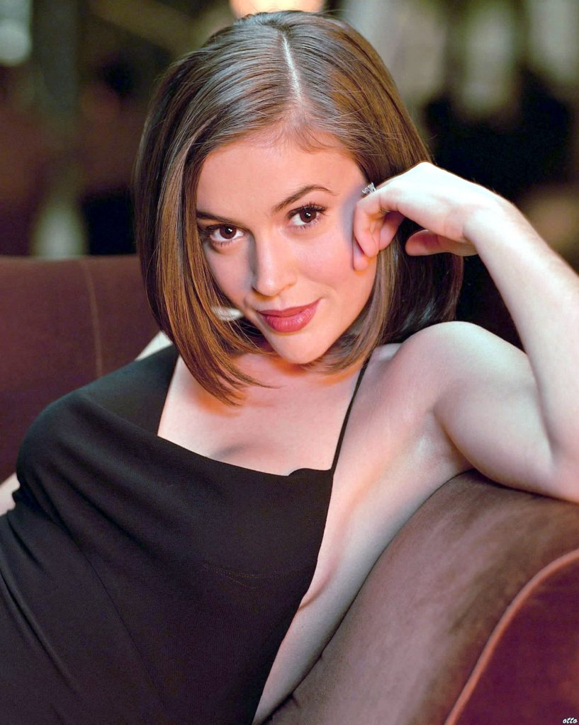 Alyssa Milano Cute Wallpapers