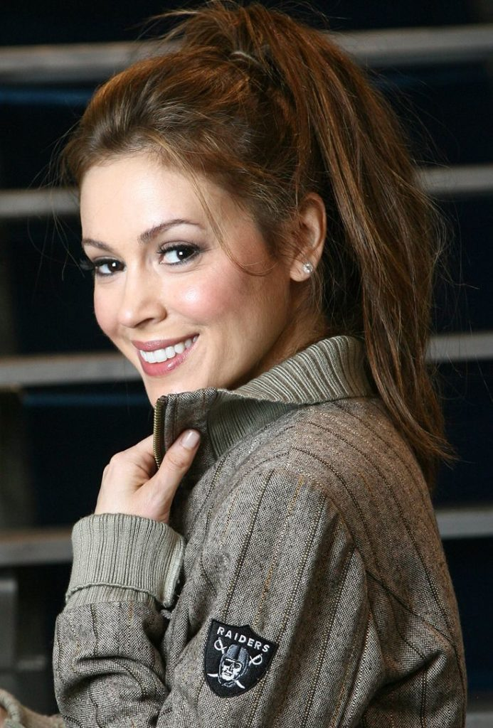 Alyssa Milano Smile Face Images