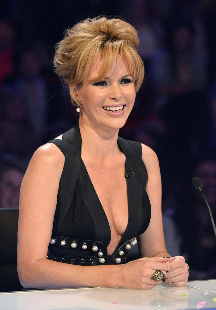 Amanda Holden Hair Style Pictures