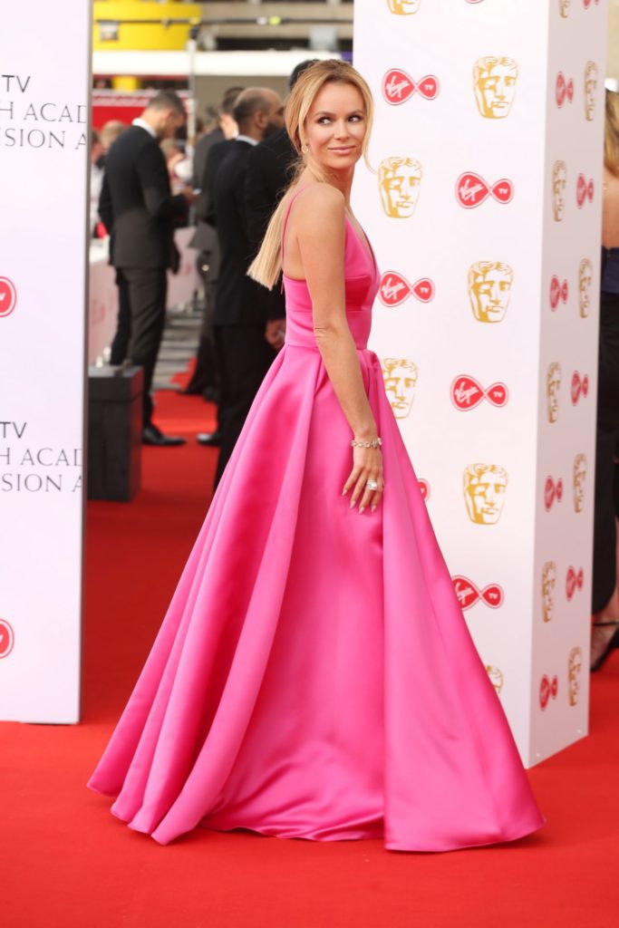 Amanda Holden In Backless Gown Pics