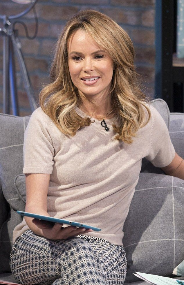 Amanda Holden Leggings Images