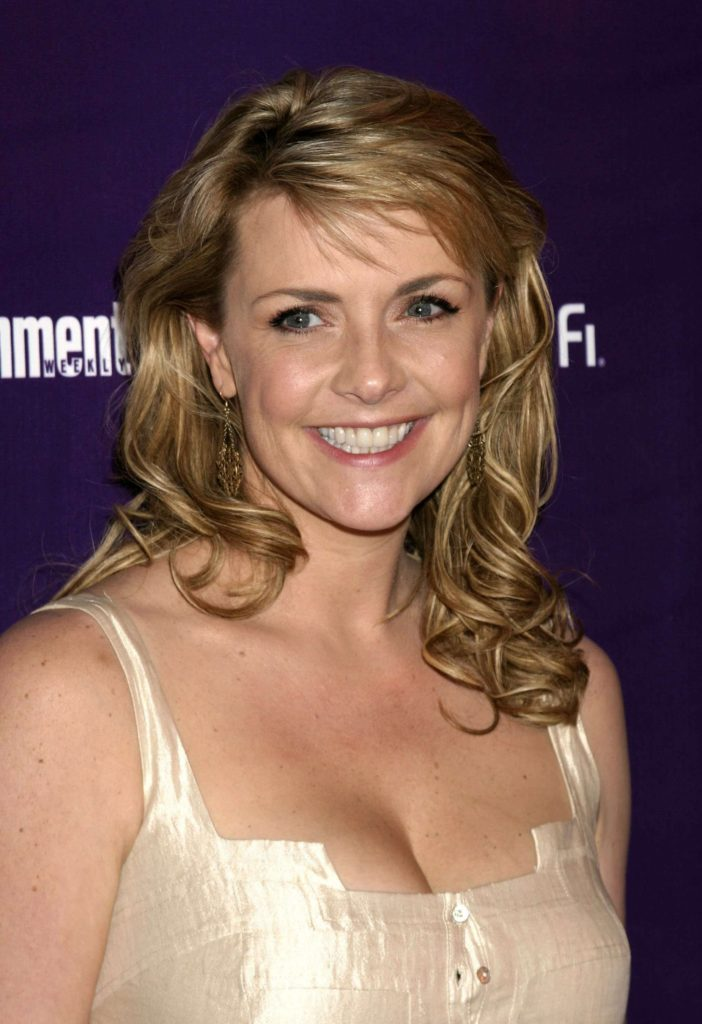 Amanda Tapping Braless Pics
