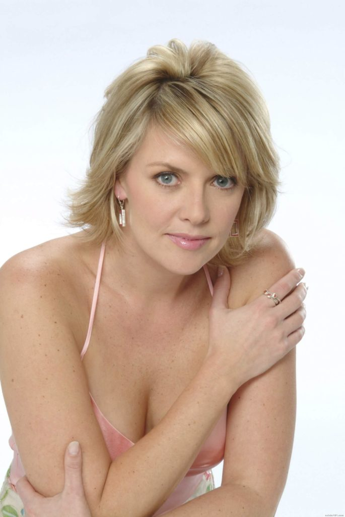 Amanda Tapping Hair Style Images