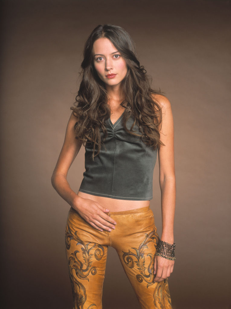 Amy Acker Muscles Wallpapers