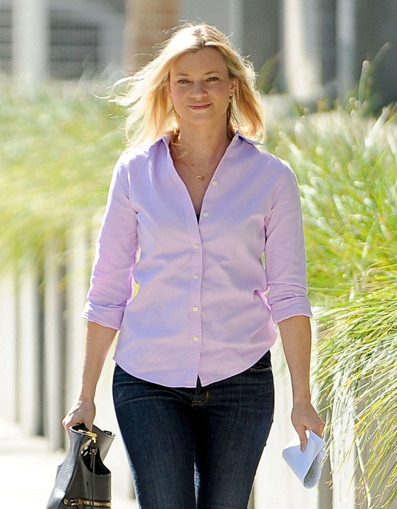 Amy Smart Jeans Photos