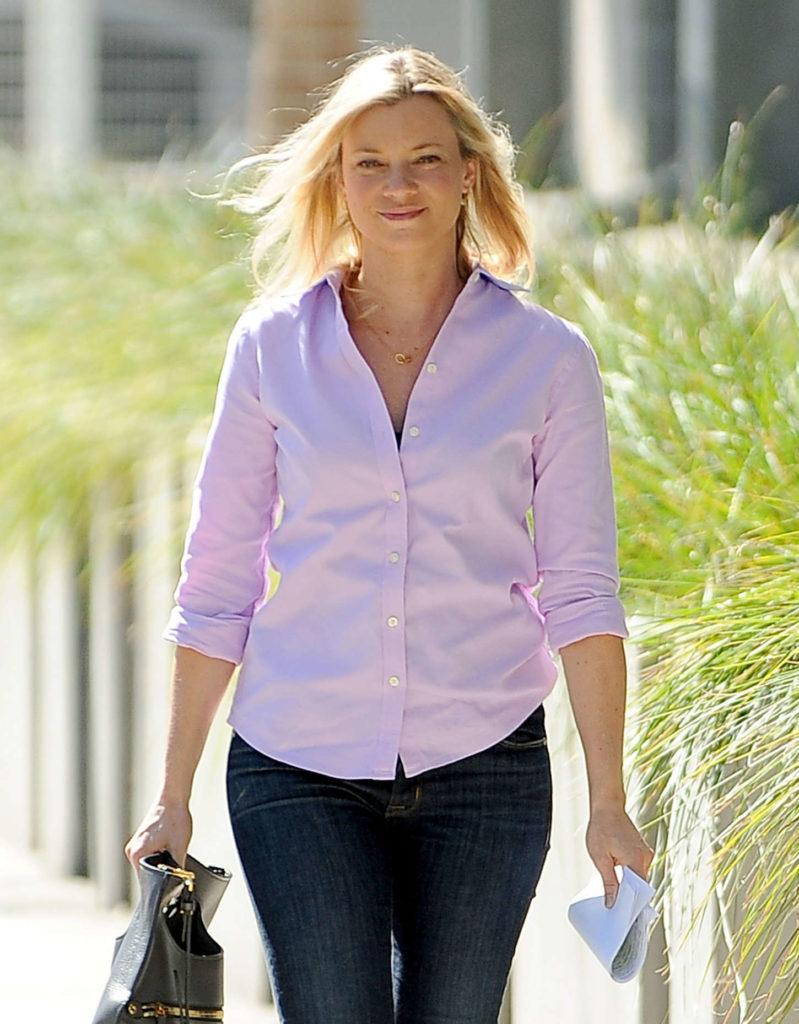Amy Smart Jeans Photos