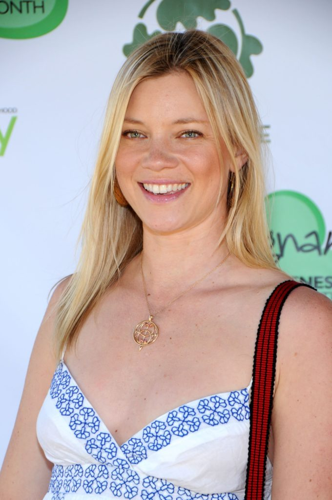 Amy Smart Makeup Pics