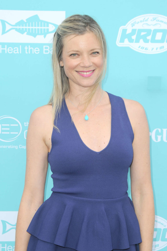 Amy Smart Muscles Pics