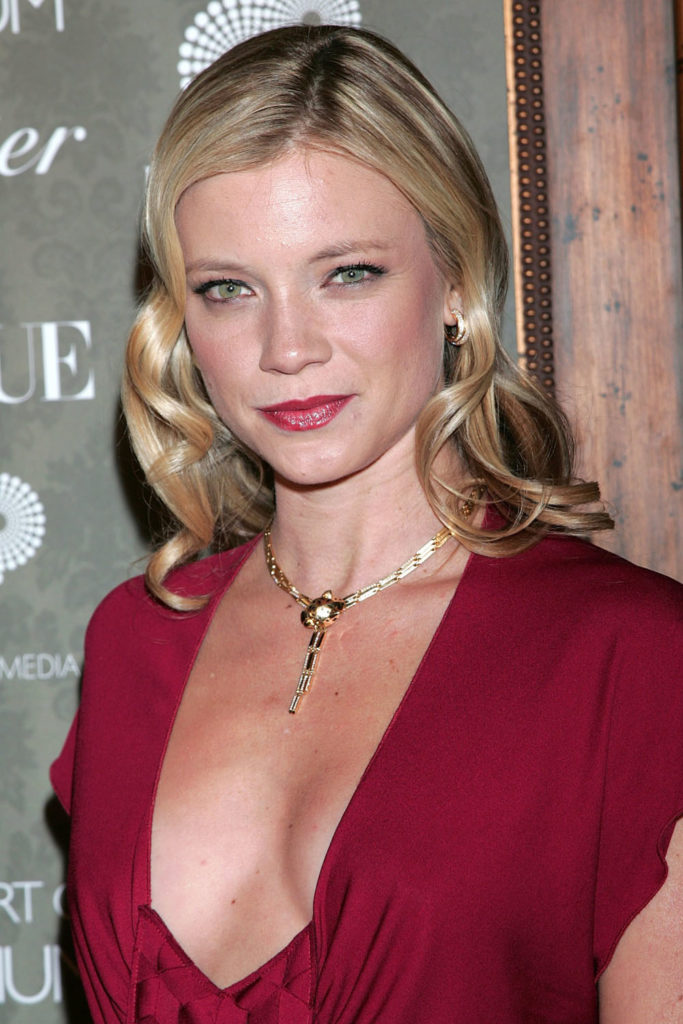 Amy Smart Topless Images