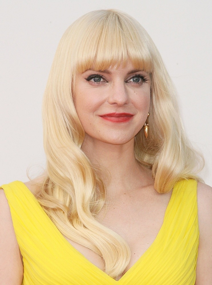 Anna Faris Makeup Images