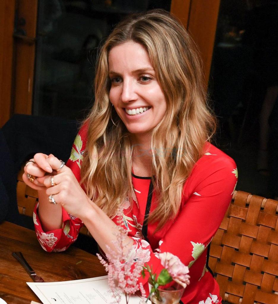 Annabelle Wallis Cute PIcs