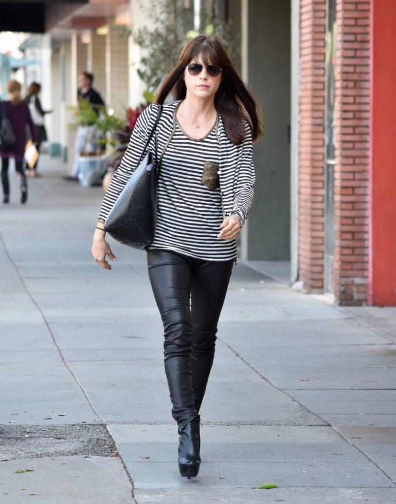 Selma Blair Leggings Pics