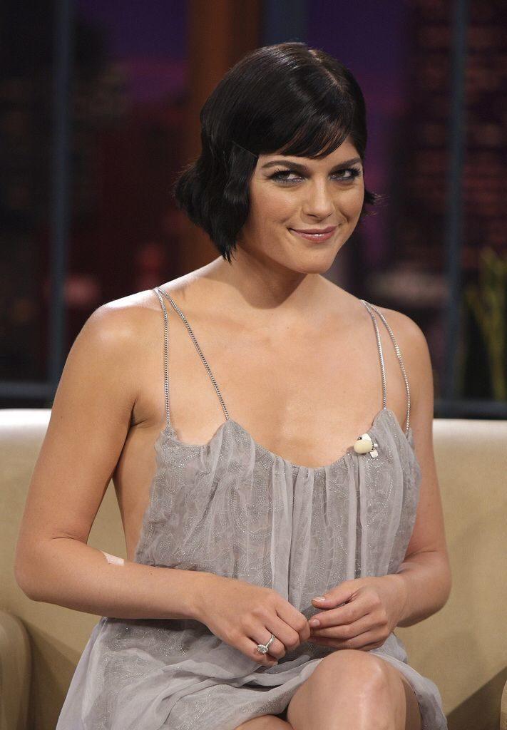 Selma Blair Short Hair Wallpapers