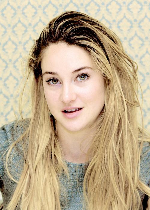 Shailene Woodley Makeup Photos