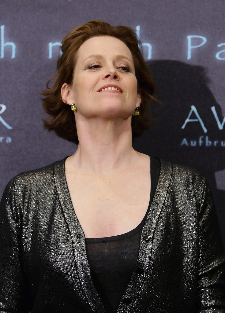 Sigourney Weaver Breasts Images